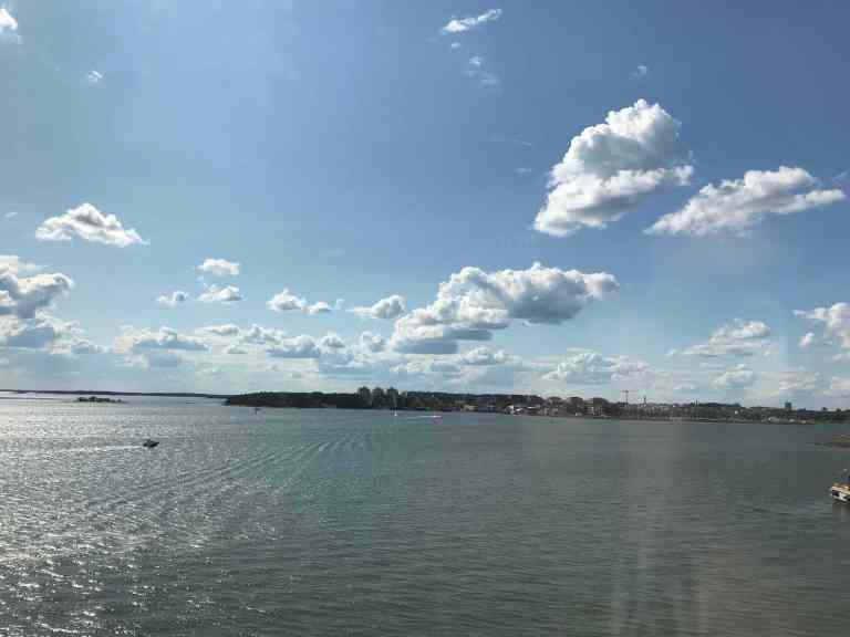 Hetkeen pysähtynyt Interrail Italiaan Itämeri Laivamatka